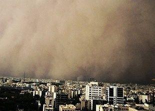 مقتل 4 على الأقل في عاصفة رملية قوية تضرب طهران