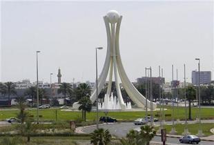 """عرض """"فيلم ساخن"""" على متن طائرة بحرينية قادمة من دمشق"""