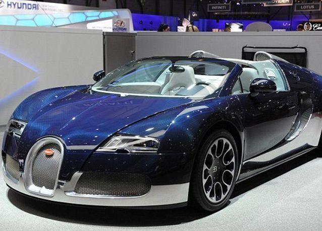 """بالصور : تفاصيل مثيرة عن """"بوغاتي تشيرون"""" .. أسرع سيارة في العالم"""