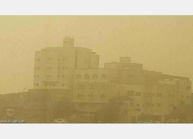إعلان حالة الطوارئ بسبب موجة الغبار في جدة