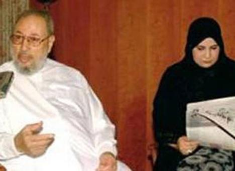 زوجة القرضاوي الثانية: رسائل غرامية من الشيخ وتهديد من أبنائه