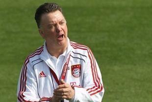 المنتخب الهولندي يتعاقد مع لويس فان غال