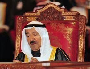 إجراء فحوص طبية لأمير الكويت في أعقاب نزلة برد