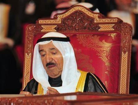أمير الكويت: نحن مطالبون اليوم للاختيار بين دولة القانون والدستور أو الفوضى