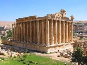 اليونان تسعى لجلب استثمارات قطرية تتراوح بين 5-7 مليارات يورو