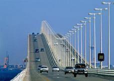 ربط الجمارك السعودية والبحرينية آلياً في جسر الملك فهد