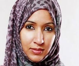 السعودية: منال الشريف تنهار باكية أمام المحققين