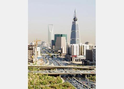 السعودية تعتزم بناء 16 مفاعلاً نووياً بحلول 2030