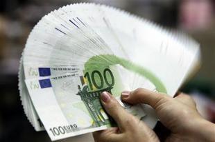 استطلاع للرأي يتوقع اختفاء اليورو في غضون عشر سنوات