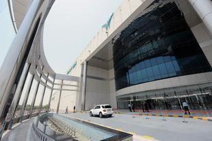 """بالصور: افتتاح """"المشرف مول"""" في أبوظبي بتكلفة مليار درهم"""