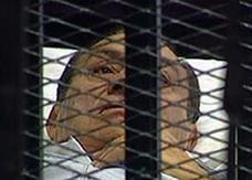 1700 محام تطوعوا للدفاع عن مبارك