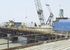 الكويت تعزز إجراءاتها الأمنية حول ميناء مبارك