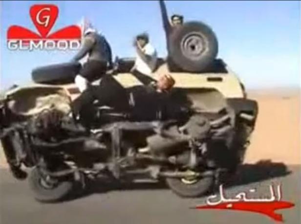 فيديو: مقطع خطير لسائقين سعوديين يثير الجدل