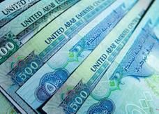 دبي: مدير مبيعات في بنك يختلس 2,5 مليون درهم