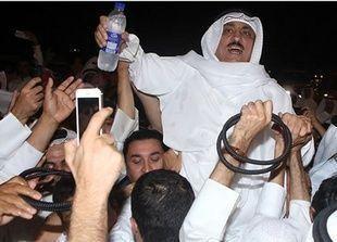 الكويت تسحب الجنسية الكويتية من معارضين