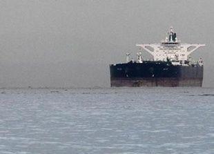 صادرات إيران من النفط ترتفع في فبراير ومزيد من الشحنات تتجه لسوريا