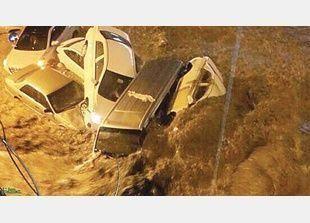 سيول الخميس تغرق شوارع مكة ومخاوف من تكرار خسائر سيول جدة