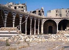 مسجد خالد ابن الوليد في حمص يتعرض لهجوم القوات الحكومية السورية