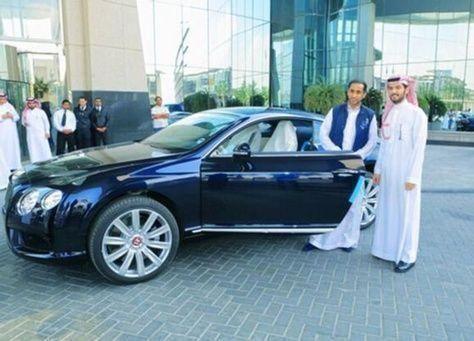 السعودية: الجابر يستلم هدية الوليد «البنتلي».. وينفي تنازله عنها