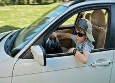 طفل يهرب بسيارة والده ويقودها 800 كيلومتر عبر أوروبا