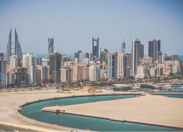 البحرين تحدد السعر الأولي لإصدار سندات دولارية على شريحتين