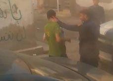 فيديو: شرطي بحريني يصفع مواطن على وجهه أمام طفله