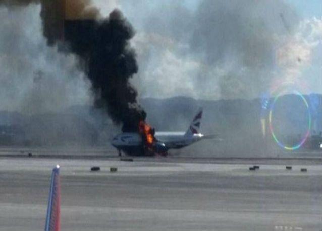 بالصور : احتراق طائرة الخطوط الجوية البريطانية في لاس فيغاس