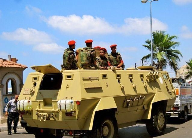مقتل ستة أشخاص في هجوم بسيارة ملغومة تستهدف الشرطة في مصر
