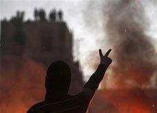 خلال دقائق.. بورصة مصر تخسر 7.8 مليار جنيه بعد اشتباكات دامية