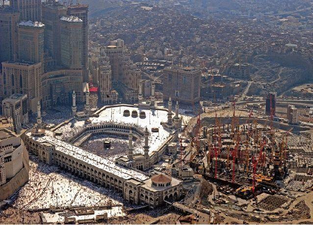 السعودية: إضراب 400 عامل بمشروع توسعة الحرم للمطالبة بزيادة الراتب