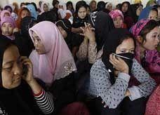 الفلبين تشترط راتباً مقدّماً وحساباً بنكياً لقاء إرسال عمالتها المنزلية إلى السعودية