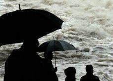 فيضانات أوروبا واشتباكات اسطنبول وتحذيرات السفر للبنان تربك إجازات الخليجيين الصيفية