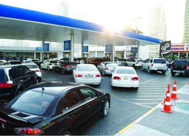 البدء في تفعيل قرار تحرير أسعار مشتقات الوقود بالإمارات