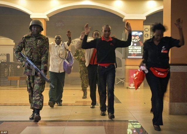 قوة إسرائيلية تشارك في مداهمة المركز التجاري الكيني بعد قتل المهاجمين 68 شخصا