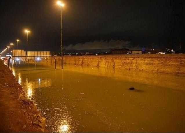 """أمطار الرياض تدفع صحيفة سعودية للسخرية من مشروع بـ 900 مليون ريال وتصفه بـ """"المغطس"""""""