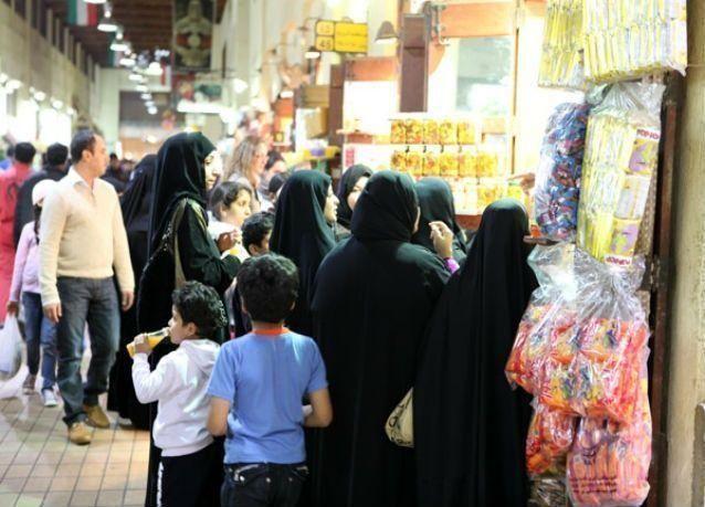 إحصائية : 70% من المقيمين في الكويت وافدين ونسبة المواطنين تنخفض إلى 30%