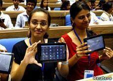 الهند تنتج جهاز كومبيوتر لوحي بسعر زهيد