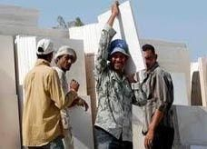 الحكومة الأردنية تدرس إعادة العمال المصريين ممن يملكون تصاريح عمل سارية المفعول