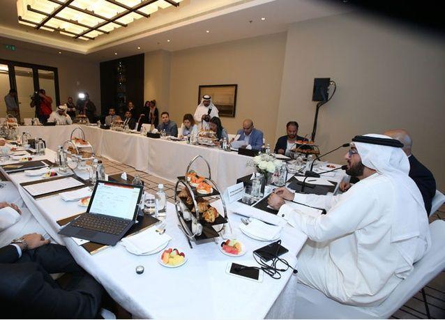 برنامج محمد بن راشد للتعلم الذكي يوزع 10 آلاف جهاز مايكروسوفت سيرفيس لجميع طلبة الصف العاشر في الإمارات