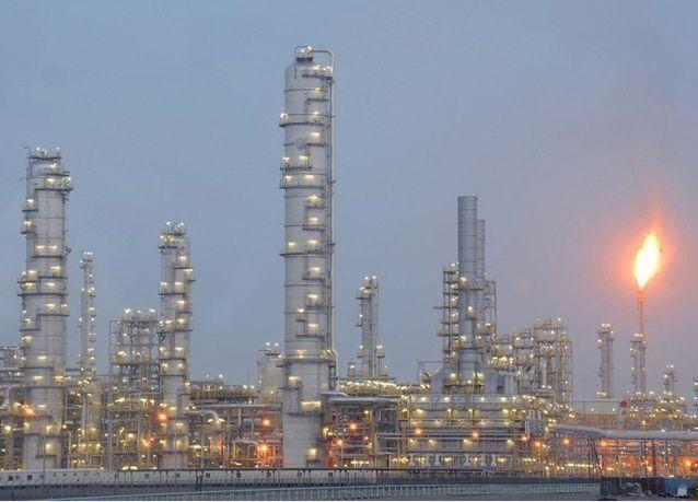 عمان تواجه شحاً في السيولة مع زيادة مبيعات السندات بفعل هبوط النفط