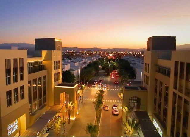 عمان تعتزم تأسيس أول شركة للطيران المنخفض التكلفة