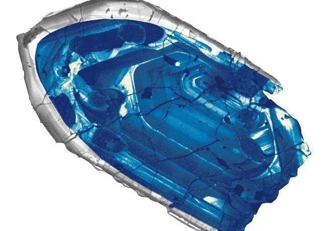 حجر الزركون أقدم معدن على وجه الارض