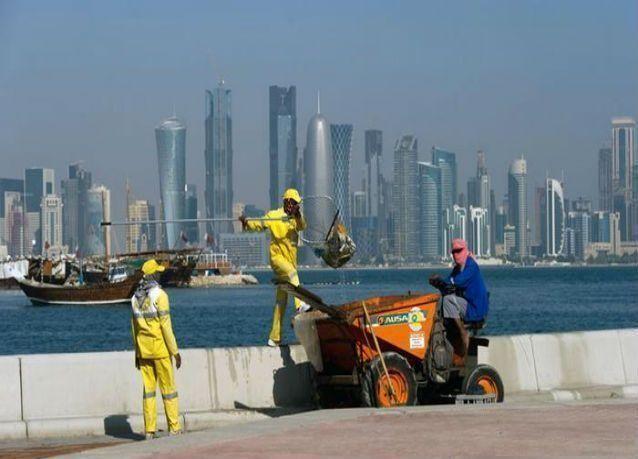 صحيفة : قطر تطبق نظاما إلكترونياً جديداً لعقود العمال بـ 10 لغات في 2016