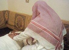 راق بريطاني يواجه تهم الدجل والتحرش بالنساء في السعودية