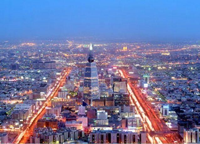 الرياض تستحدث نظاماً لحماية أجور الخليجيين العاملين بالسعودية