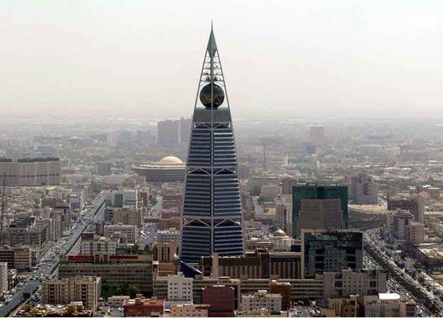 20 شركة في الرياض تطرح 772 وظيفة للسعوديين