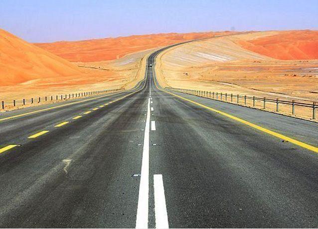 الرياض تفتتح طريق الربع الخالي بين السعودية وعمان خلال أشهر بتكلفة 946 مليون ريال