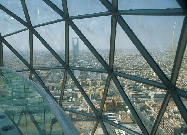 جهات حكومية سعودية تدرس رفع حظر تصدير الأسمنت والحديد