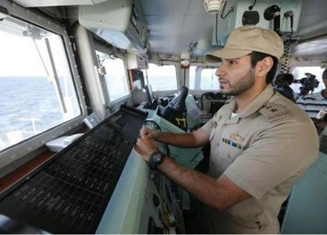 الجيش الأمريكي ينقذ طيارين سعوديين بعد قفزهما من طائرتهما فوق خليج عدن