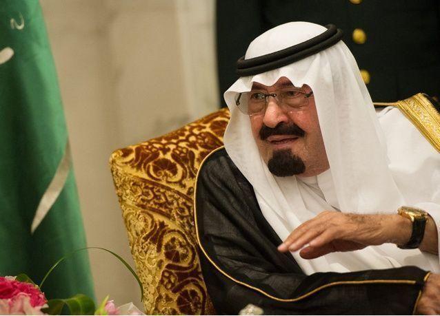 الأسرة السعودية الحاكمة تتحرك لتفادي أزمة في الخلافة